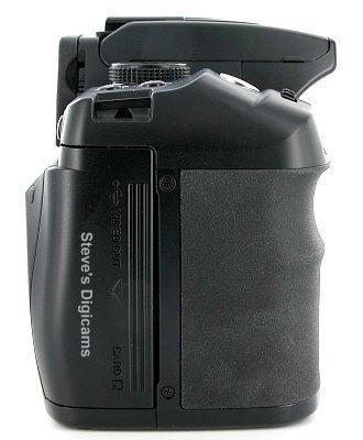 Konica Minolta MAXXUM 5D, image (c) 2004 Steve's Digicams