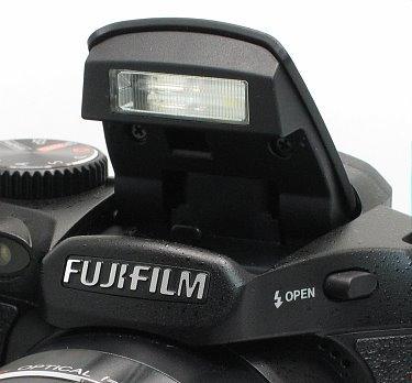 fuji_s2550_flash.jpg