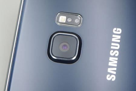 Samsung Galaxy Edge Plus-lens.jpg