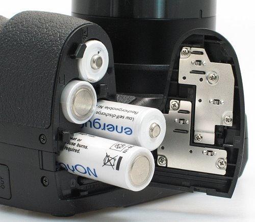 fuji_s2550_batteries.jpg