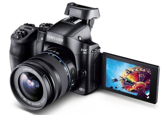 Samsung_NX30_displays-tilt.jpg
