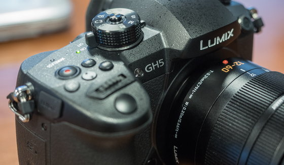 Panasonic_LUMIX_DMC-GH5_productshots-2.jpg