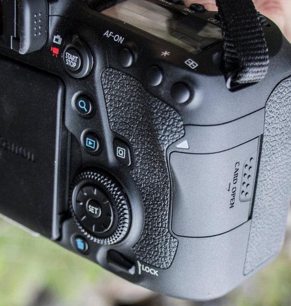 Canon_EOS_6D_MarkII_Product Shots-9.jpg