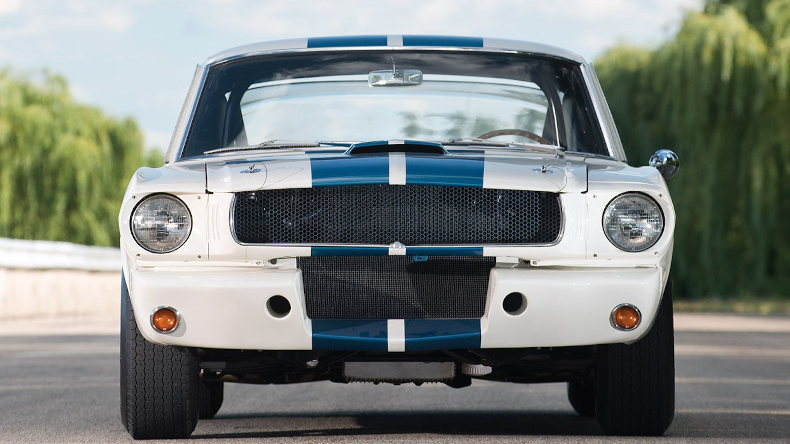 Ford Announces Production of Classic Shelby Racecars
