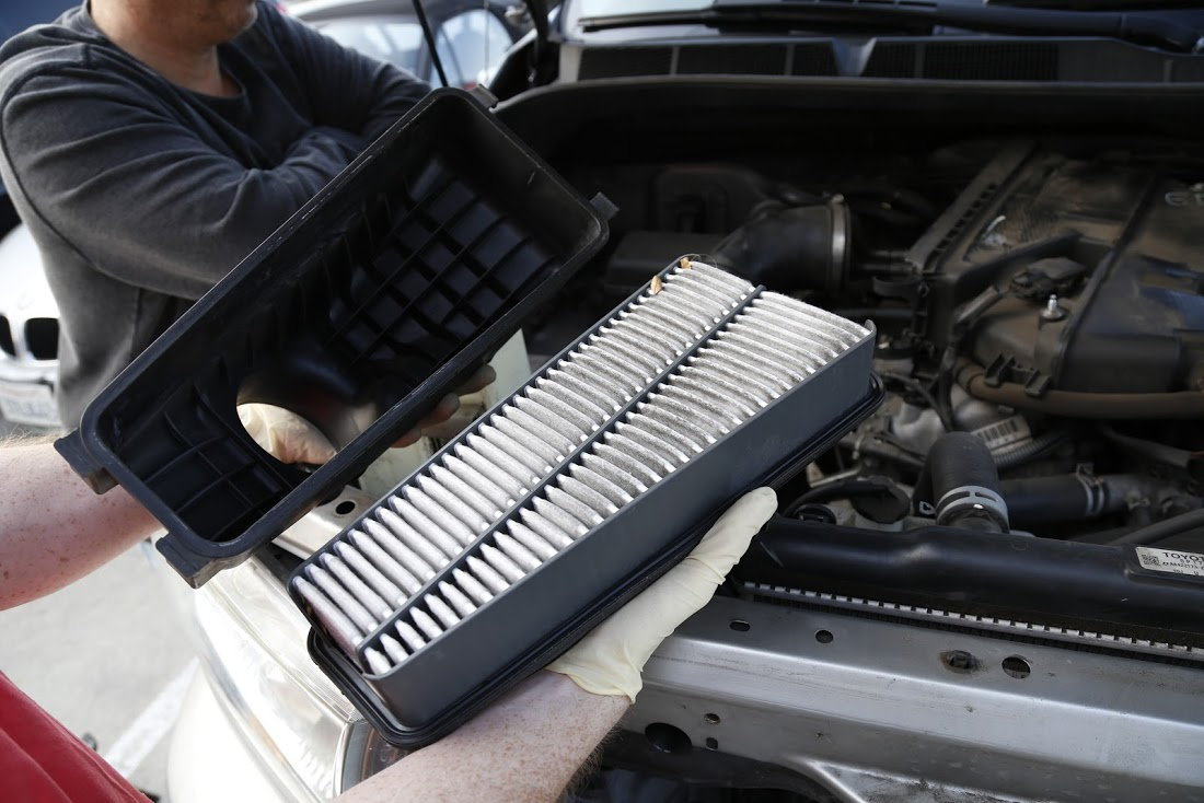 Toyota Tacoma removing air filter