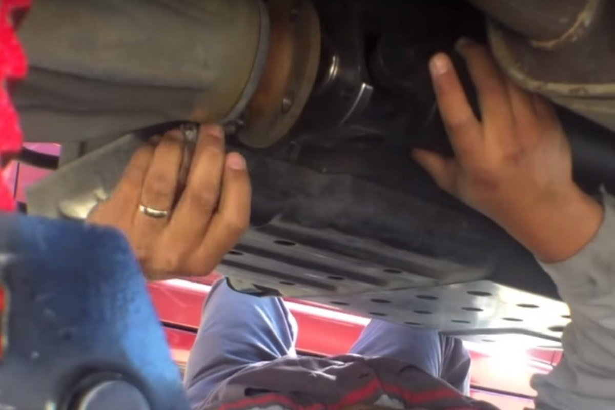 toyota tacoma driveshaft replacement how to DIY