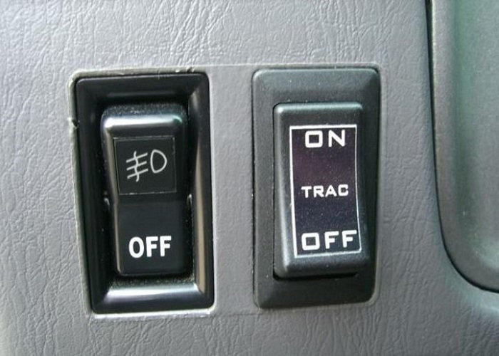 Toyota 4Runner disabling VSC and traction control