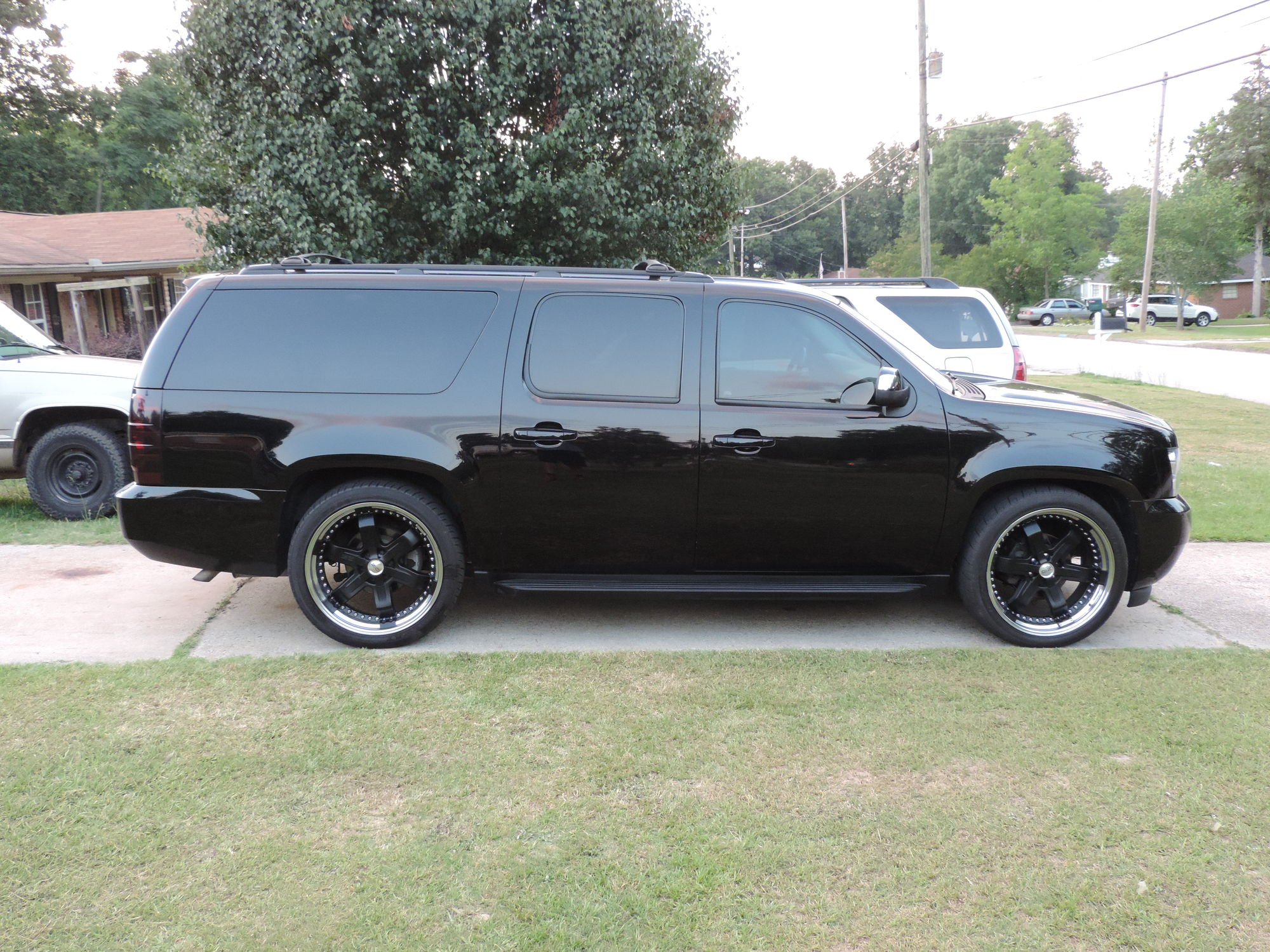 Blacked Out 2008 Suburban Ltz 78541 on 2000 chevy tahoe ltz