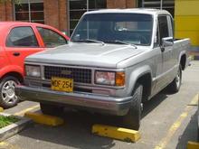 Chevrolet (Izuzu Trooper) Pickup
