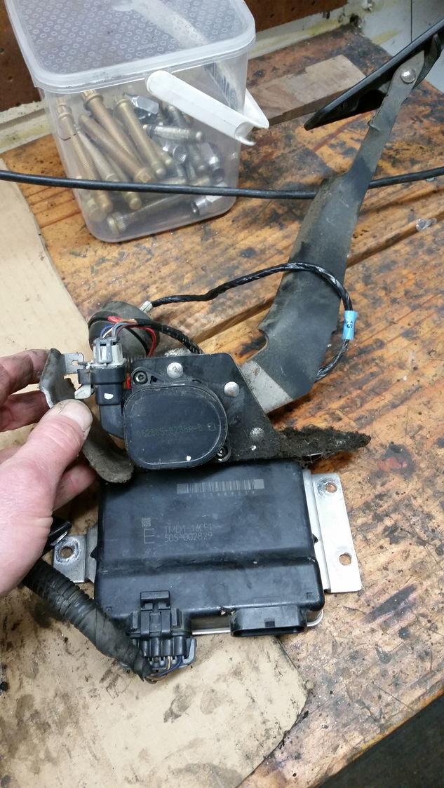 2005 Gmc Sierra 3500 Drive By Wire Harness  Tb  Tac Module