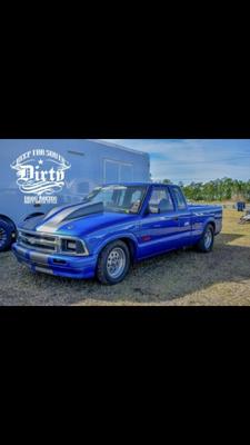 Drag race truck