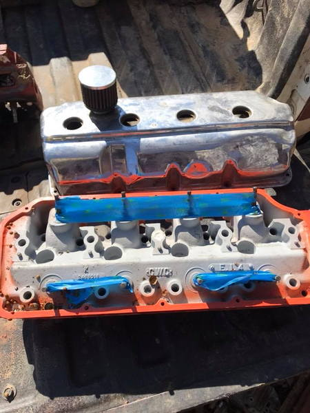 1964 hemi 426 heads  for Sale $1,500