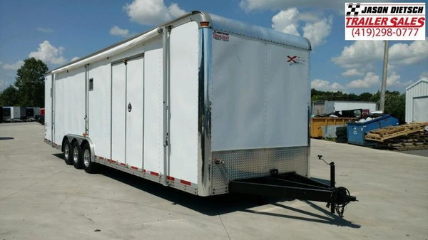 2001 UNITED EXTREME 8.5'x 32' DELUXE ENCLOSED RACE TRAILER