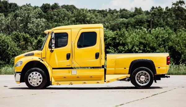 2007 FREIGHTLINER M2-106 P2 SPORT TRUCK  for Sale $76,500