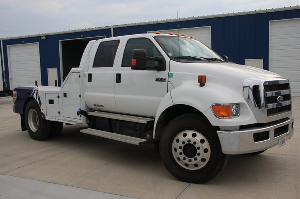 2013 Ford F-750 Super Duty crew cab sport chassis  for Sale $42,500