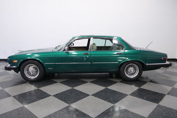 1985 Jaguar XJ6 Vanden Plas  for Sale $7,995