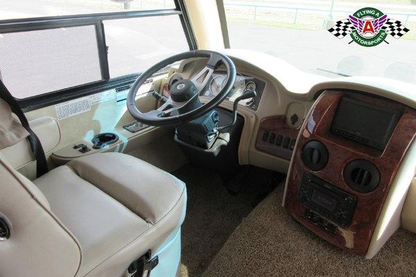 2011 Thor Motor Coach Serrano Motorhome