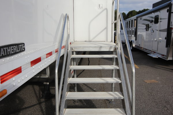 1999 Featherlite Trailers 48ft. Double Expandable Specialty