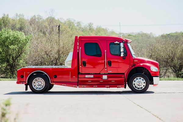 2008 FREIGHTLINER M2-106  SPORTCHASSIS CUMMINS  for Sale $94,500