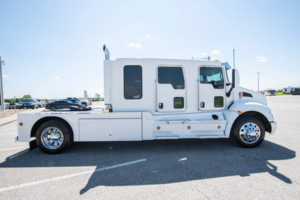 2015 Kenworth T270  for Sale $149,995