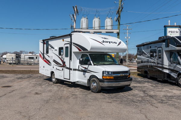2019 Jayco Redhawk 22C Chevy Chassis Gas Class C Motorhome for sale in  GRAND RAPIDS, MI, Price: $57,900