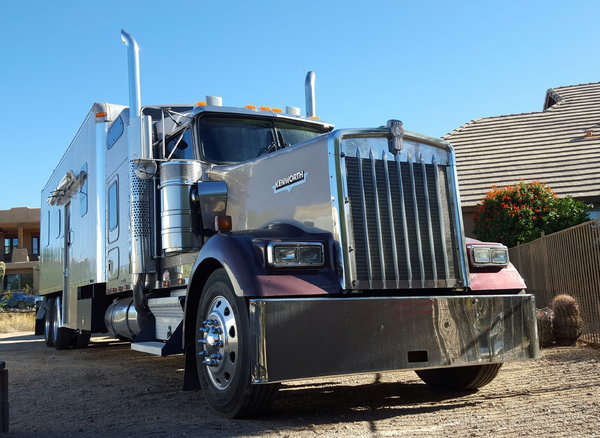 2000 Kenworth W900 Toy hauler