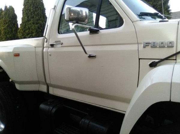 FORD F800 pickup
