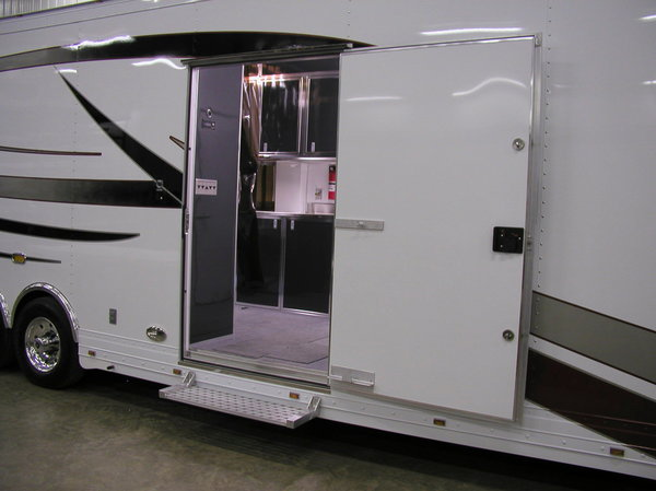 2009 T&E 53' 5th Wheel Trailer And 2012 Freightliner M2  for Sale $225,000