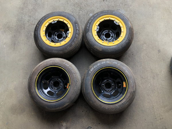 2 beadlocks and 2 dirt wheels and 4 tires  for Sale $350