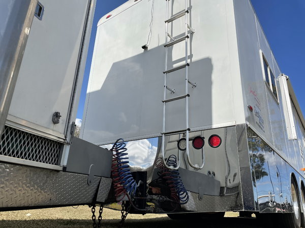 2007 Motorcoach and Stacker Race Trailer Motorcoach  for Sale $295,000