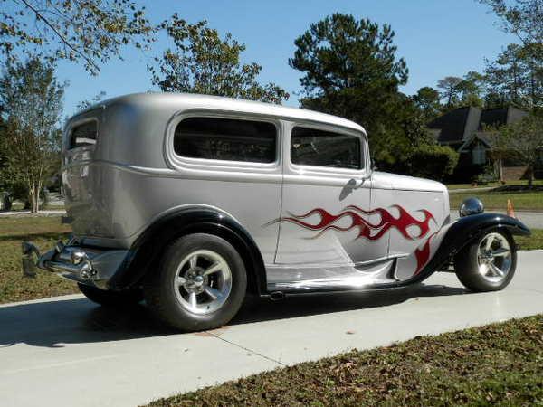 1932 Ford 2 Door Sedan Streetrod  for Sale $54,900