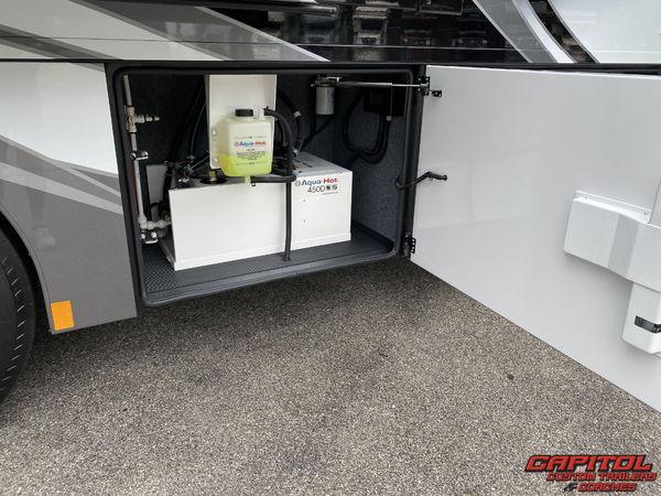 2021 RENEGADE XL MOTOR COACH 45' BUNK MODEL