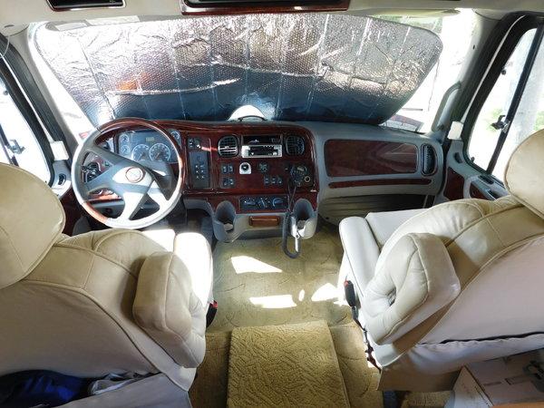 06 Dynamax 302 SL  for Sale $85,000