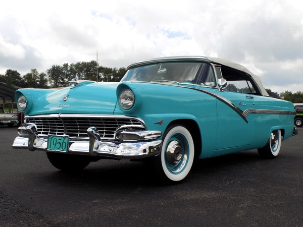 1956 Ford Sunliner  for Sale $31,000