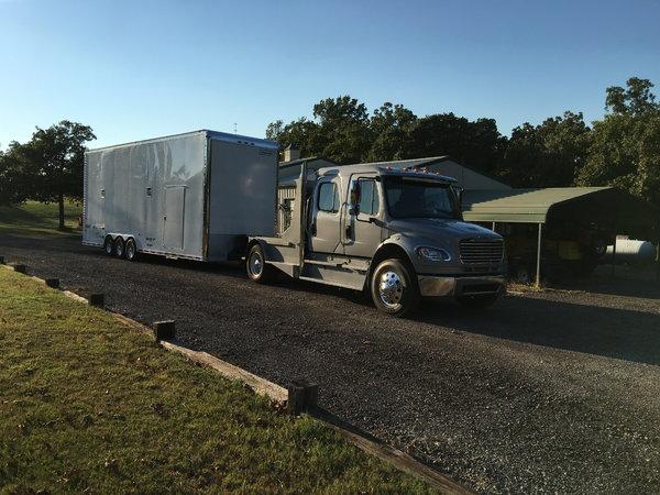 2007 Freightliner M2   for Sale $85,000