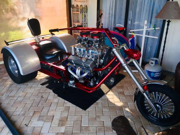 V8 Trike ROLLER Less Engine