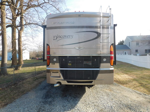 39L FLEETWOOD DISCOVERY  for Sale $63,900