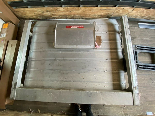 aluminum lift gate  for Sale $1,500