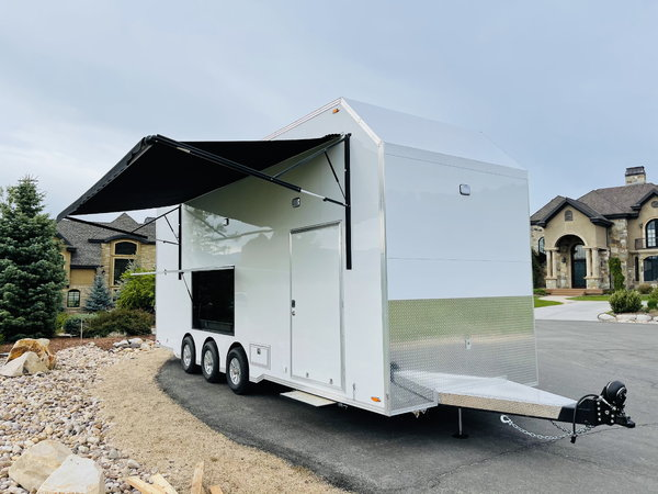 New 28' Stacker Trailer Belly Lift w/ Fuel Water &  for Sale $110,000
