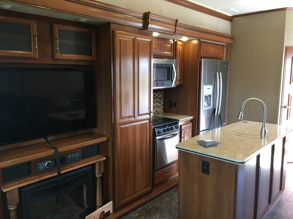 2017 Redwood Sequoia  for Sale $69,500