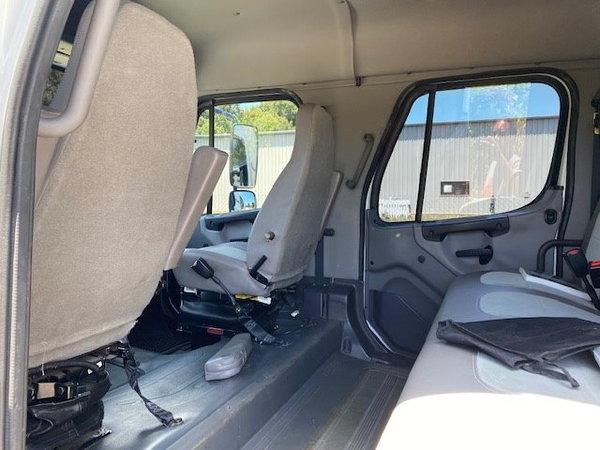 2007 Freightliner Sport Chassis M2106 Custom Hauler  for Sale $79,800