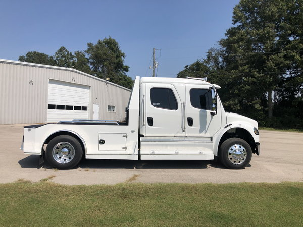2019 Laredo Customs Freightliner M2 for sale in Bloomfield, MO, Price:  $140,000