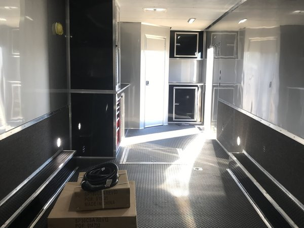 2020 34 ft Loaded Bath Package
