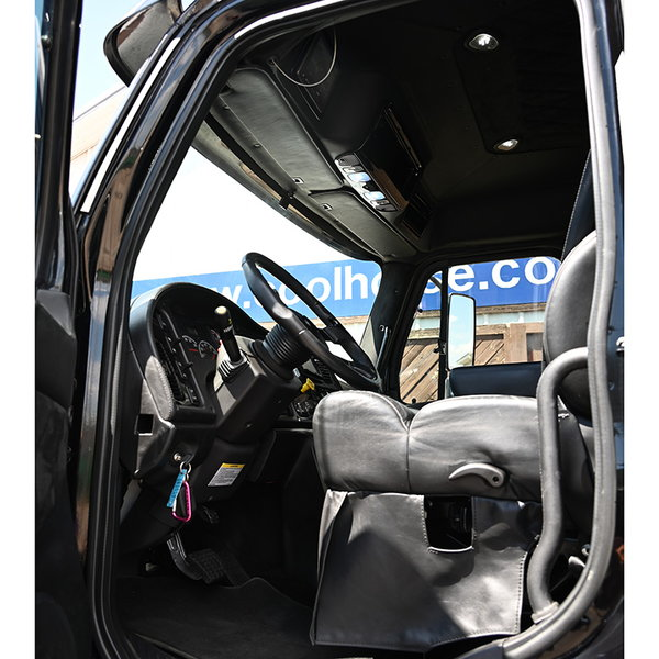 2015 SportTruck M2 Freightliner 4x2 Phoenix Edition with Pic