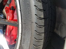 track use signs on tires