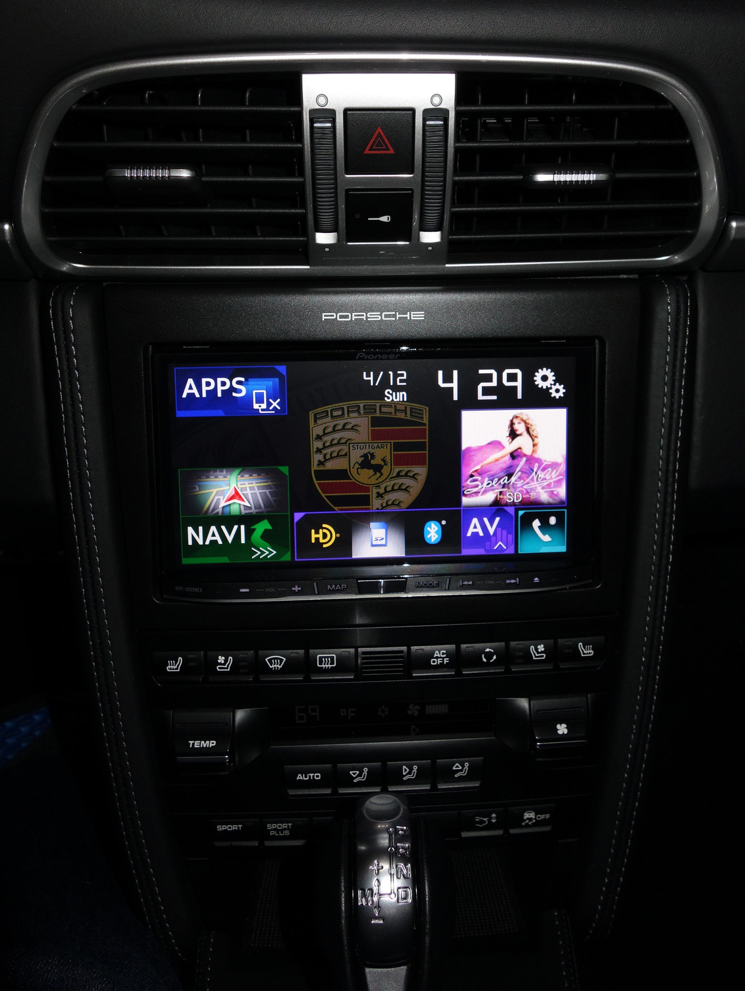 Photos: aftermarket stereo install (Pioneer/McIntosh/Focal
