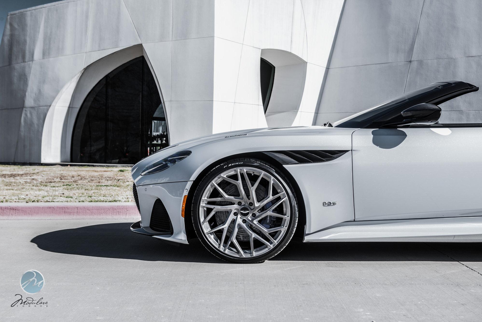 Modulare Wheels X Aston Martin Dallas 2019 Dbs Superleggera Volante 22 Modulare Teamspeed Com