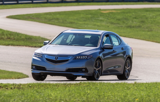 2015 Acura Tlx Tech >> 2016 Acura TLX Review - CarsDirect