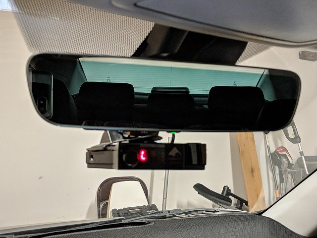 the gentex mirror into the old 5-pin harness  ground(green),  switched(white), constant 12v(black) as shown  , these align with the  headliner connector