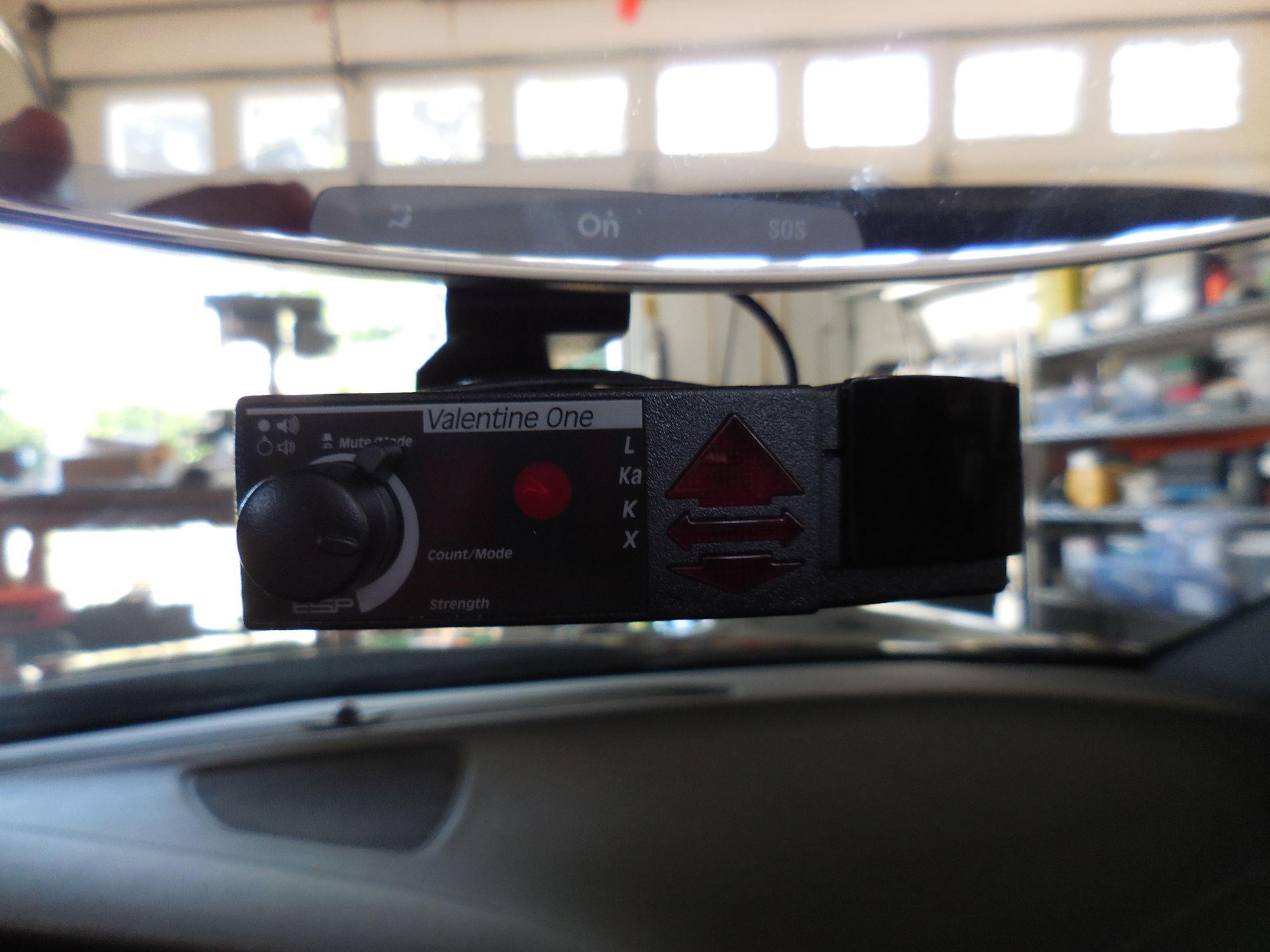 80 dscn0235_dc0b3123edd8c15ce730853805719be29f00bd71 mirror tap for radar detector for '15 z51 page 7 corvetteforum BlendMount Radar Detector Mount at creativeand.co